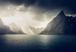 Moody Lofoten by streamweb