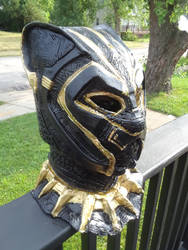 Black Panther Deluxe Mask - Black/Gold - Infinity