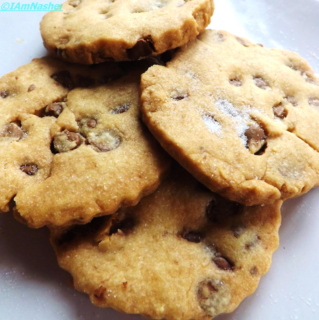 Chocolate chip shortbread Biscuits by IamNasher