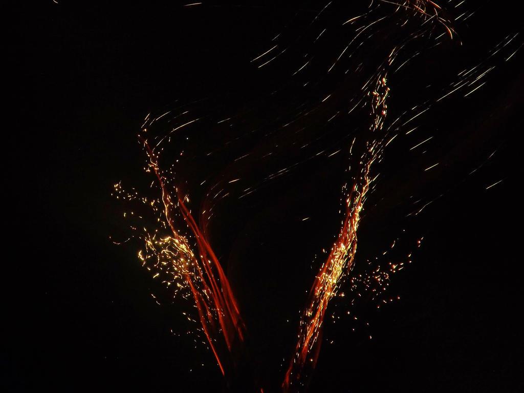 bonfire night 2015 fireworks 4 by IamNasher