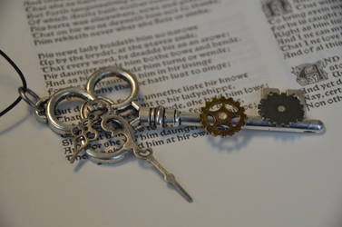 Steampunk Key with moving gears by geekatheart