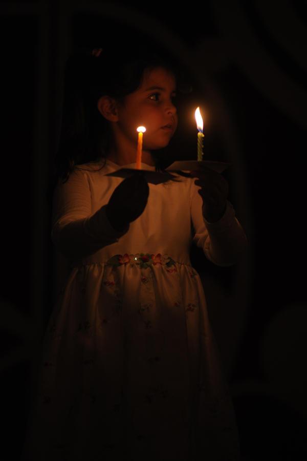 Candle Dance by yori1976