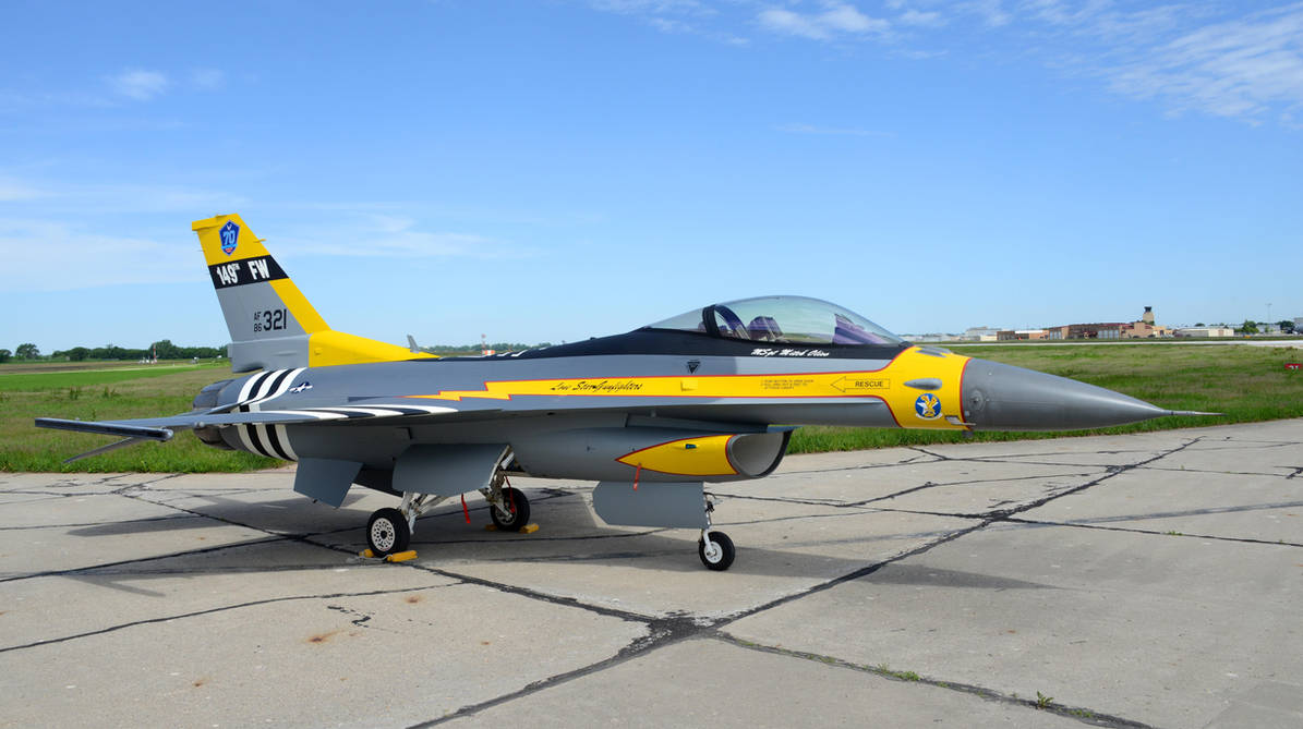 General Dynamics F-16 Fighting Falcon by GeneralTate on