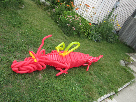 8 FOOT LONG DRAGON