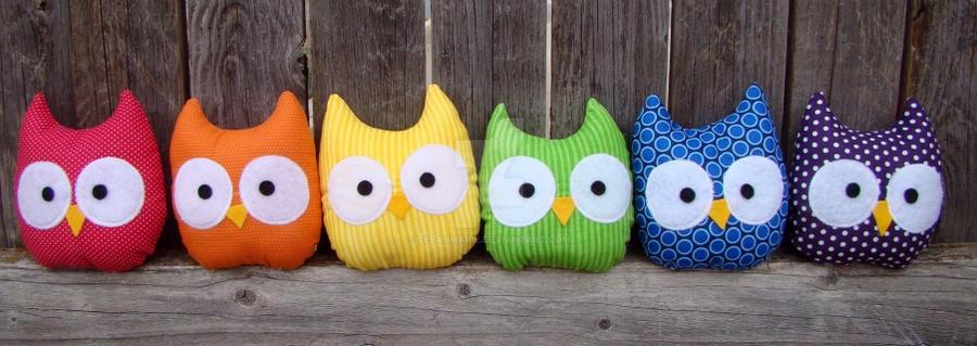 rainbow owls by Telahmarie