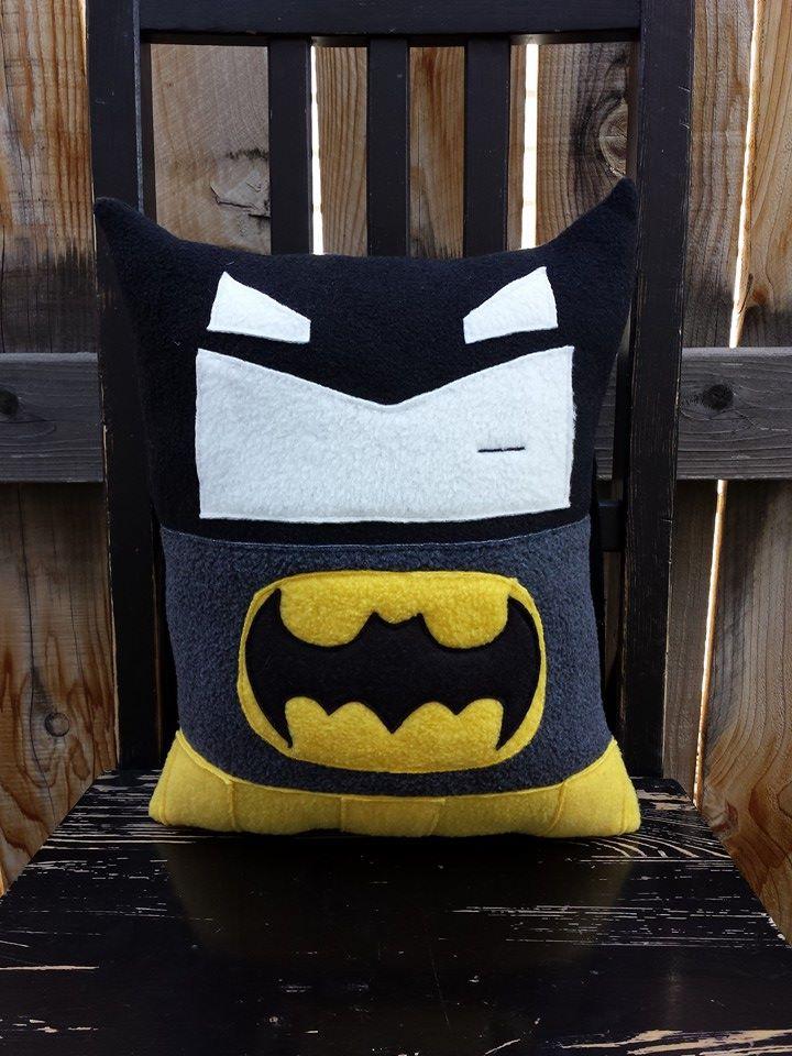 batman pillow by Telahmarie