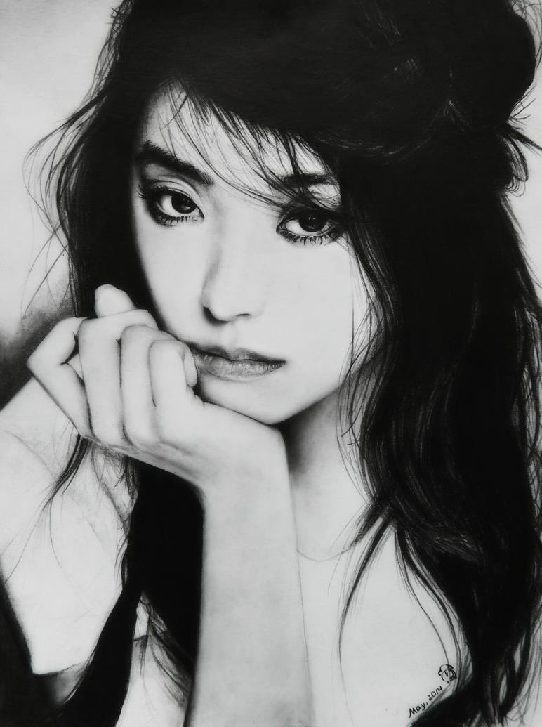 Yoon Bora by MikiFrancaise