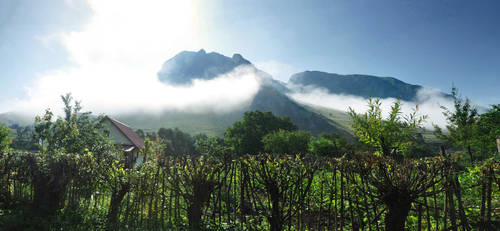 Misty Mountains by inf23