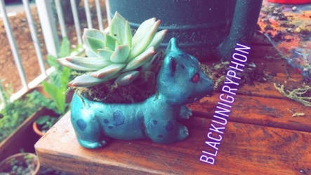 Shiny Ivysaur DIY Planter Sculpture 001