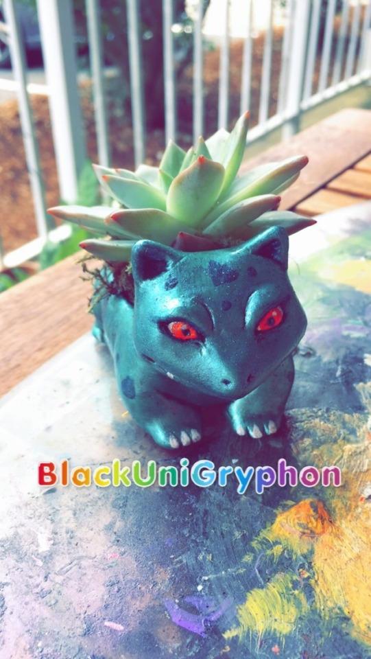 Shiny Ivysaur DIY Planter Sculpture 004