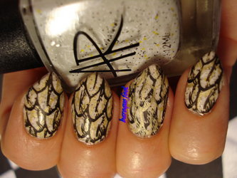 Feathers nails