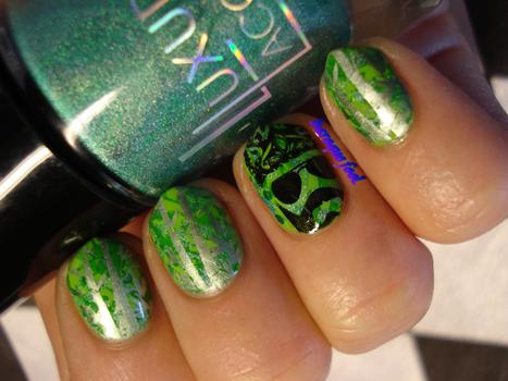 Duck Dynasty nails