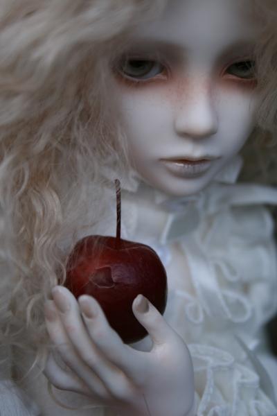Snow, Glass, Apples .:. Six by Jubriel
