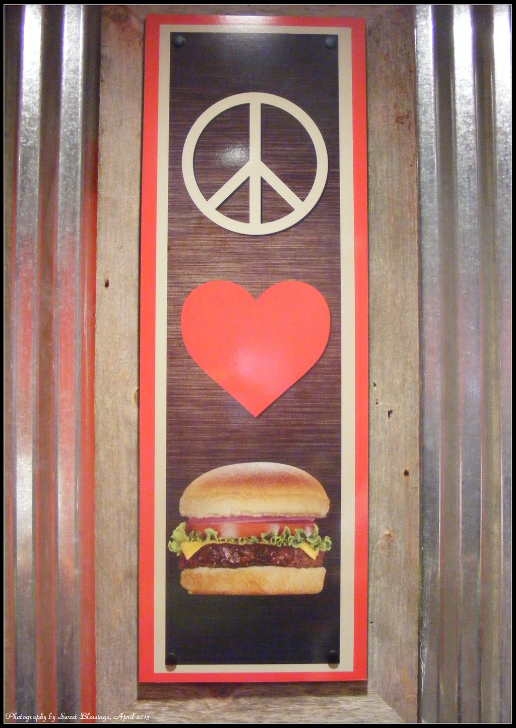 http://img00.deviantart.net/01a1/i/2013/291/2/7/peace__love__burger_by_sweet_blessings-d6qwga5.png