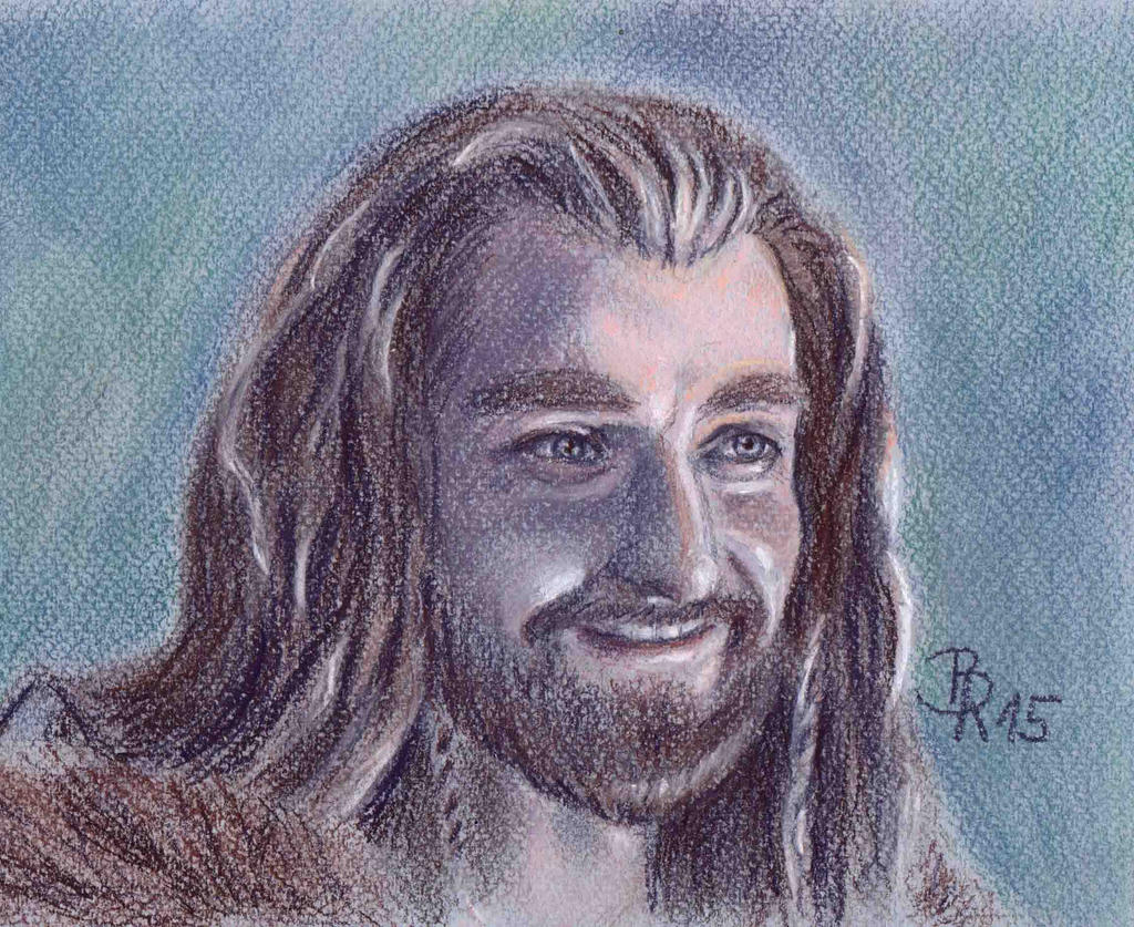 Thorin- of course, he can smile! by LoonaLucy
