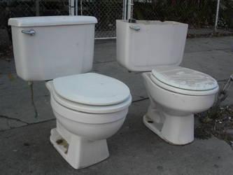 2 toilets by sbmstars