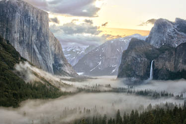 Sunrise at Tunnel View by WNG3000