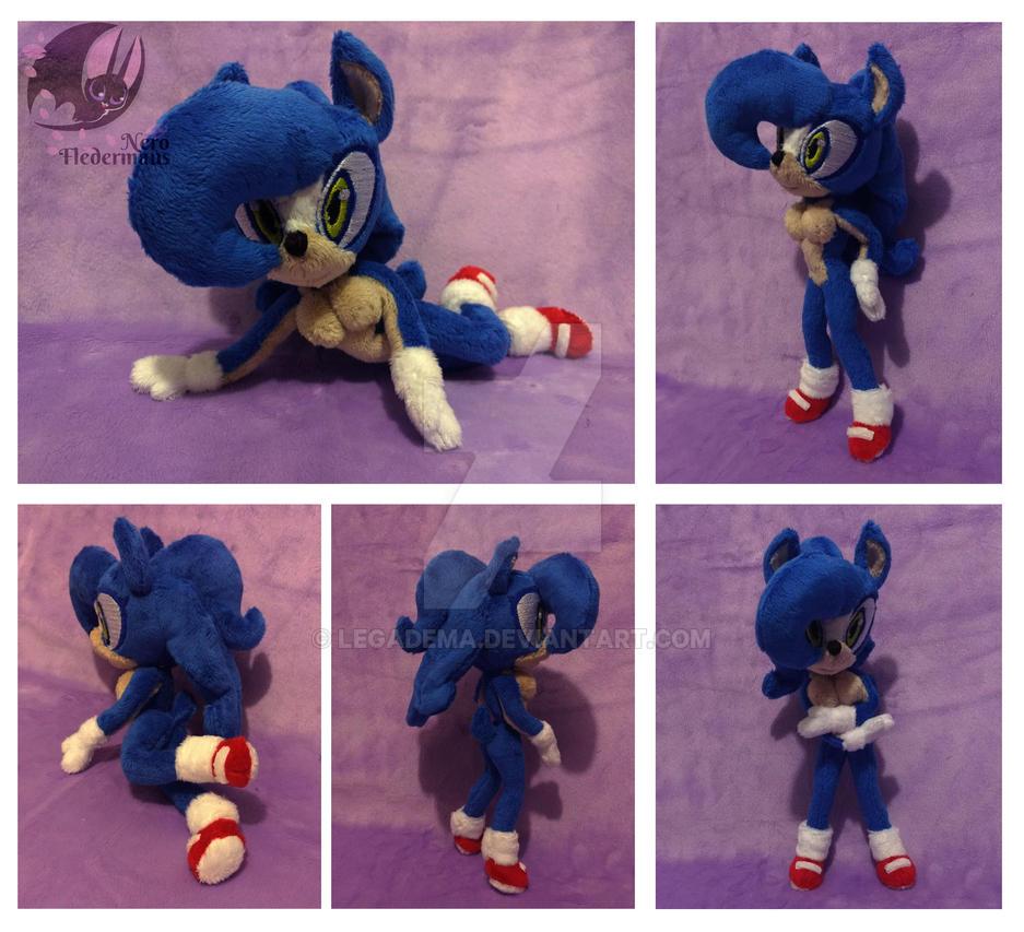 Sonic genderbender OC custom plushie by Legadema