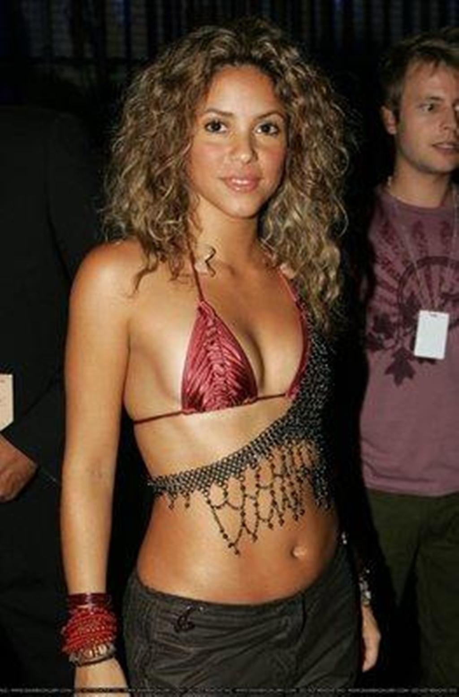 Shakira-Naked-Breast-Shakira-13440433-1024-1554 By -4639