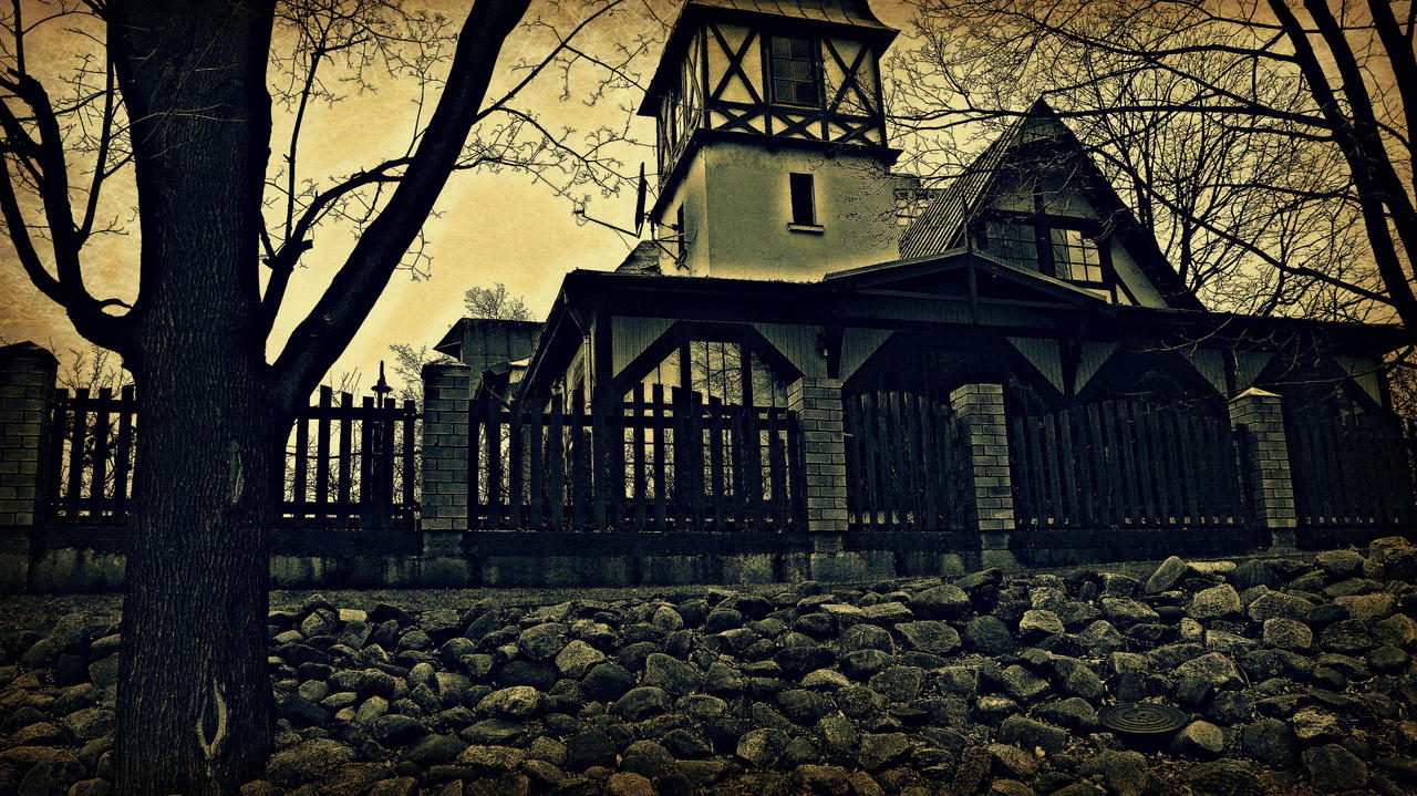 House on the haunted hill by peterdoesphotography on - House on the hill 2012 ...