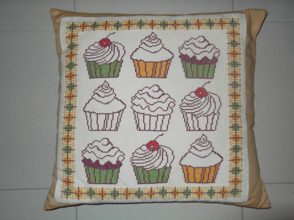 Pillow with cupcakes by PrincesseDeLamballe