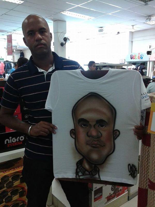 Caricatura em Camiseta - 13