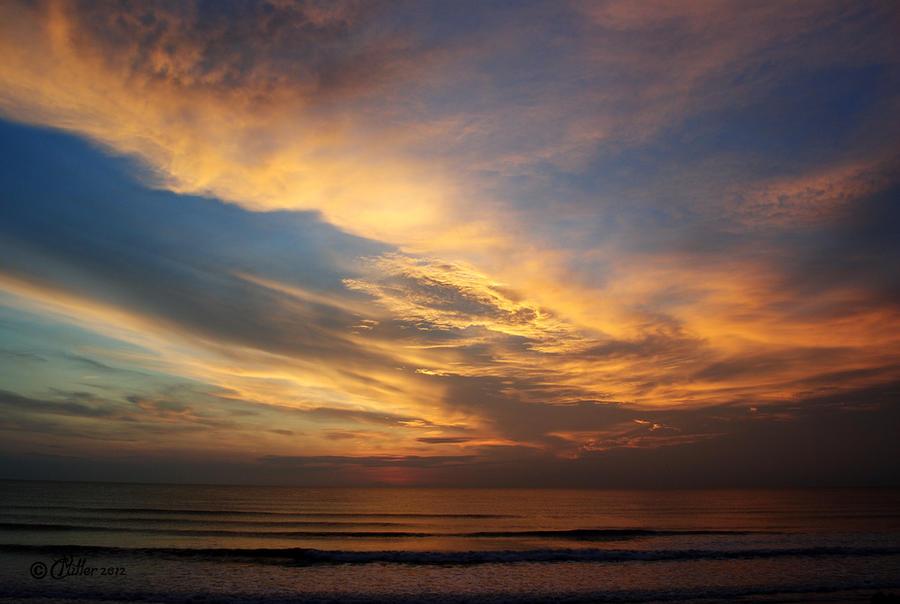 Dawn Breaks by Shadoweddancer