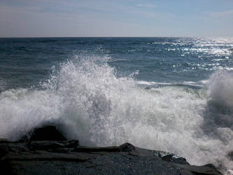 Crashing Waves by NightiePhotography