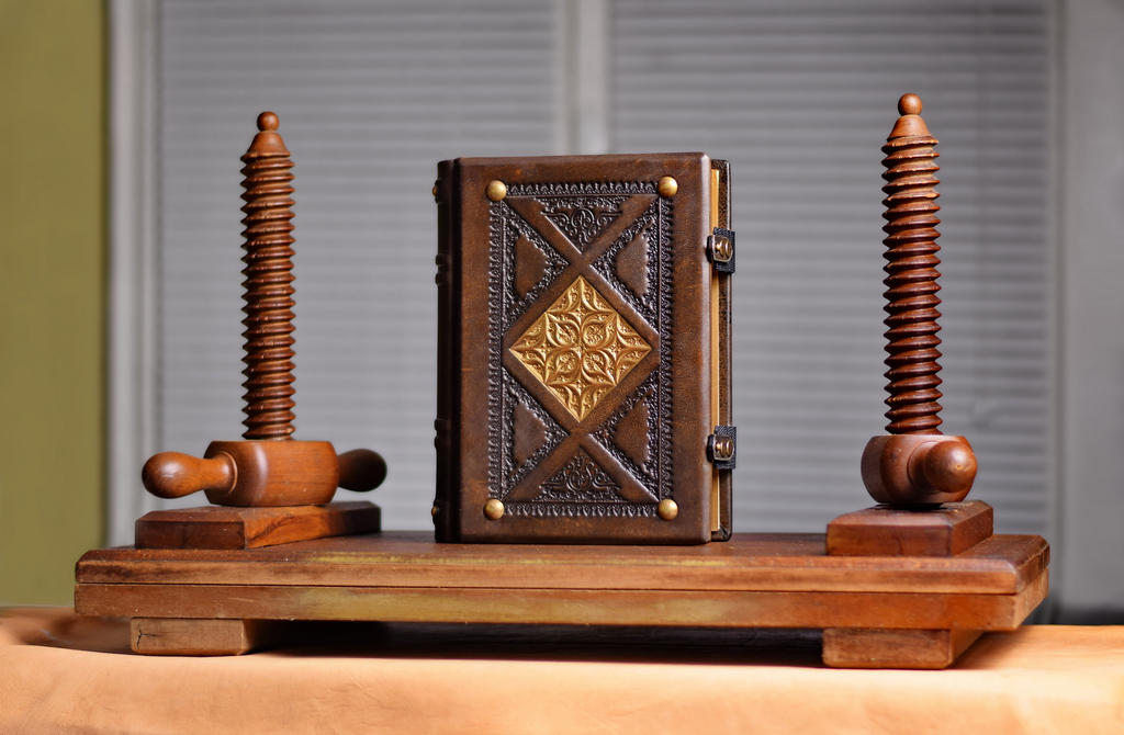 Antiqued journal