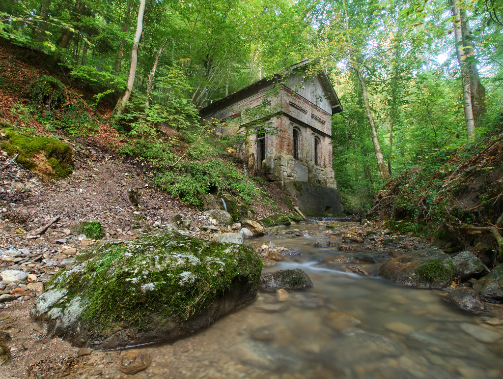 The Hidden House by da-phil