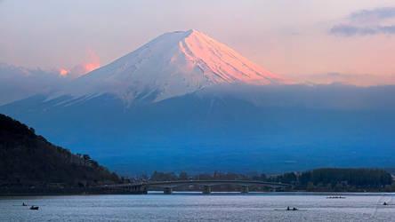 Dusk over Fuji-Yama by da-phil