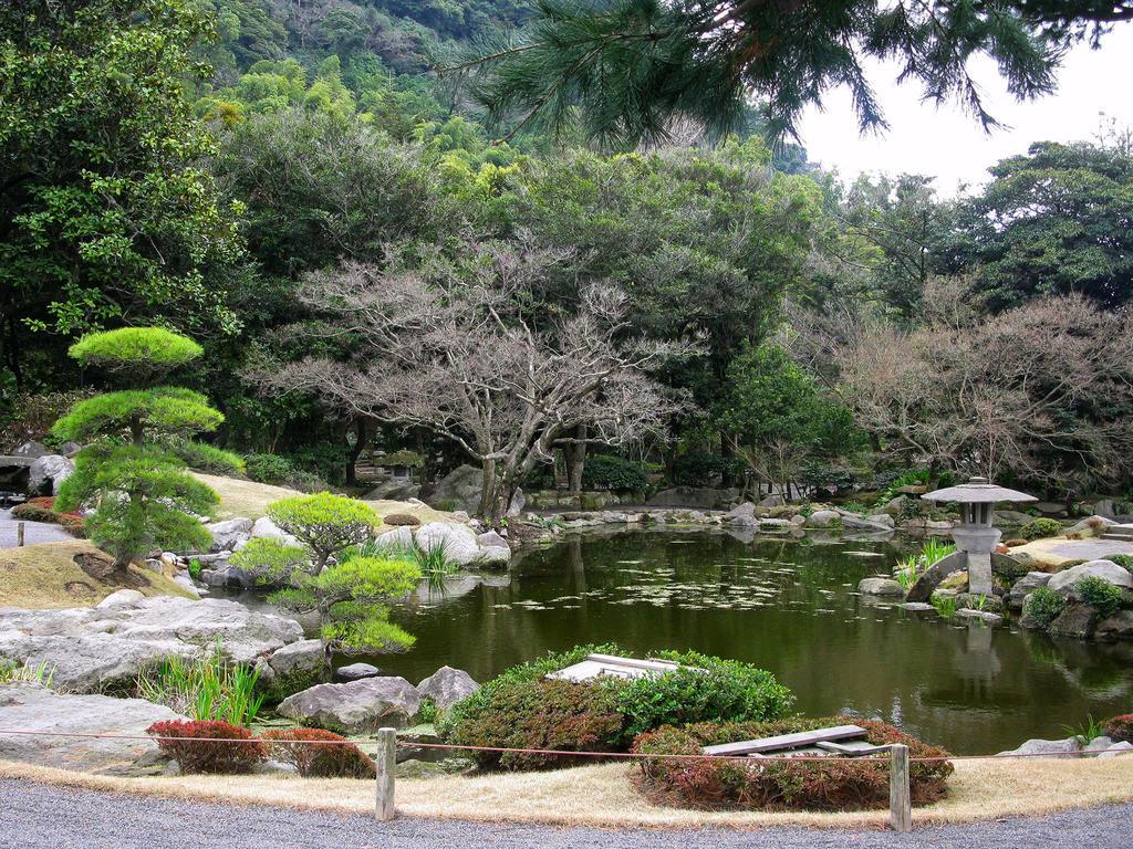 Sengan-en Garden -2 by Lissou-photography on DeviantArt