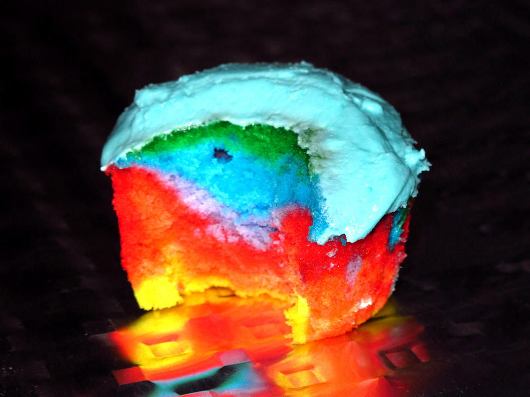 Rainbow Dash Cupcake by PkGam