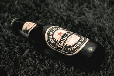 heineken bottle by jordansart