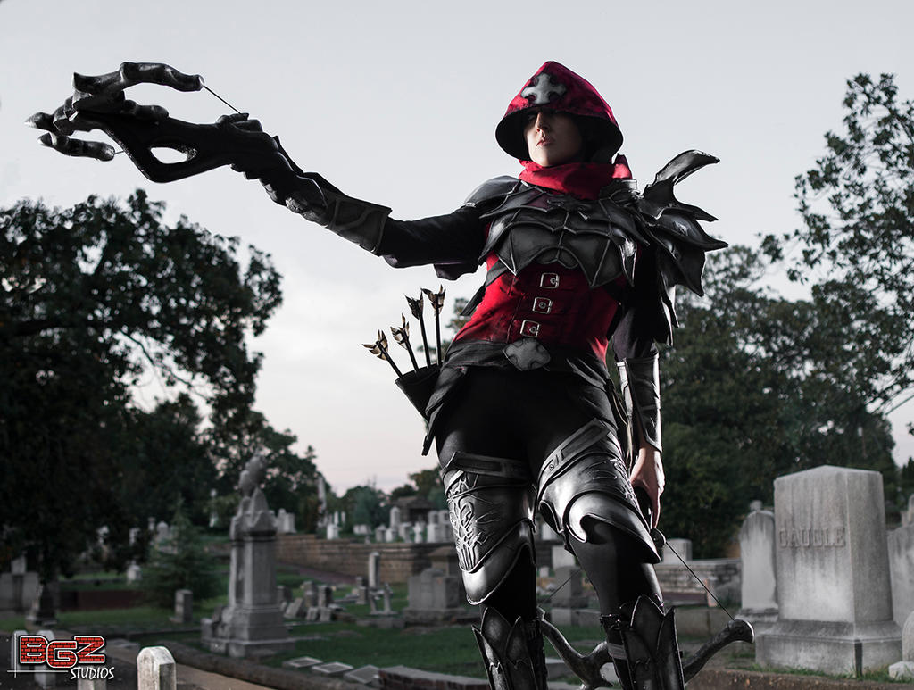 Demon Hunter Cosplay - Prowling the Cemetery 1