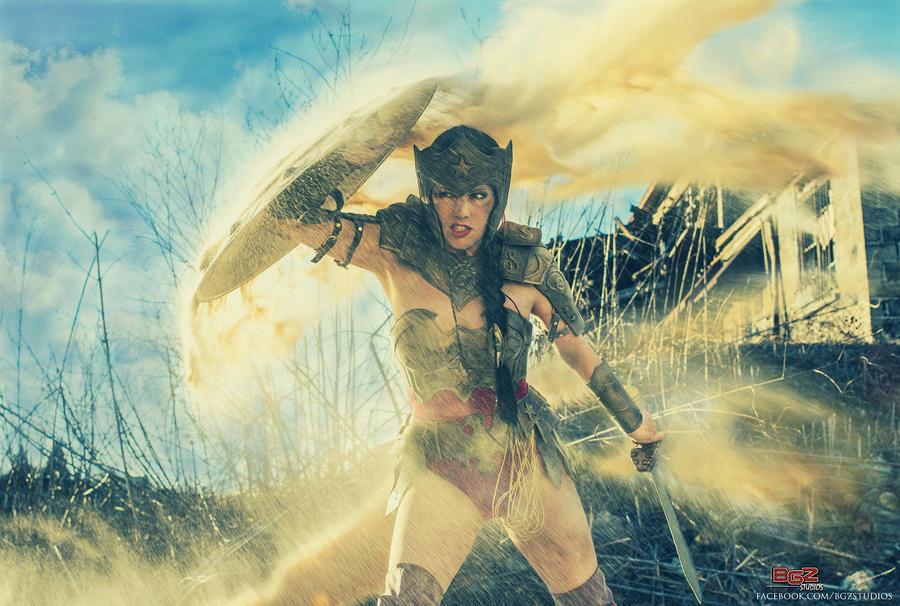 Wonder Woman in Battle - In The Warzone