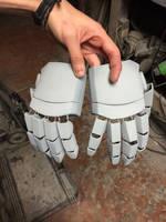 Cyrax pepakura hands by made007