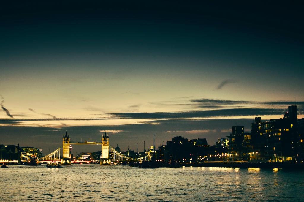 Tower Bridge by salmanarif