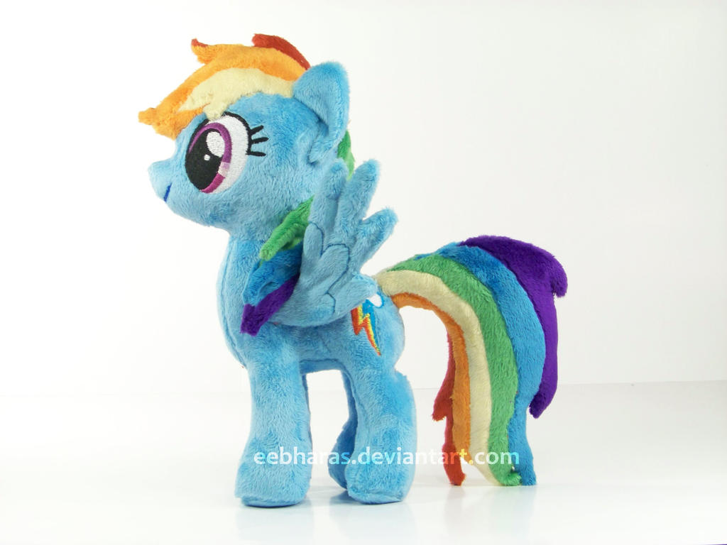 Mini Rainbow Dash by eebharas