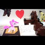 Pinkie meets boxel pony