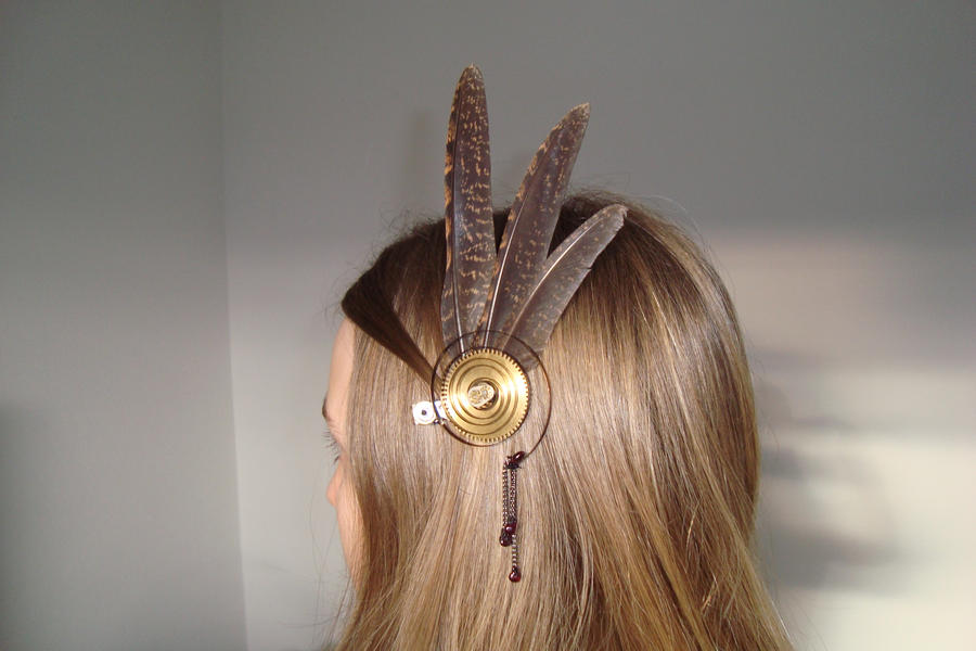 Steampunk feather fascinator by rain2shine
