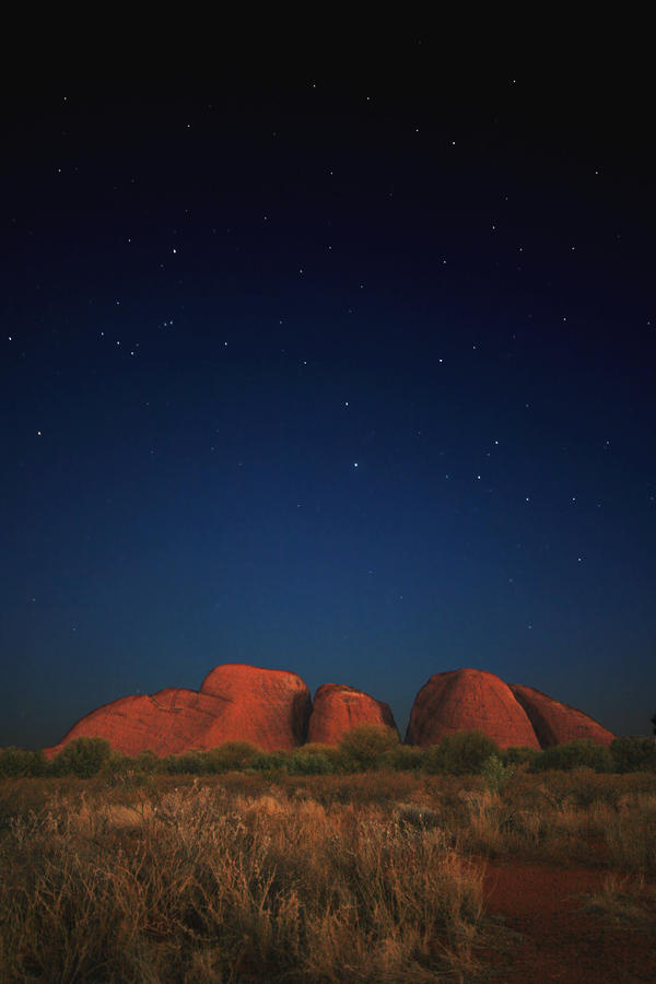 Kata-Tjuta by night by godintraining