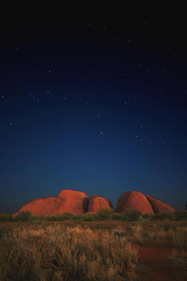 Kata-Tjuta by night by godintraining