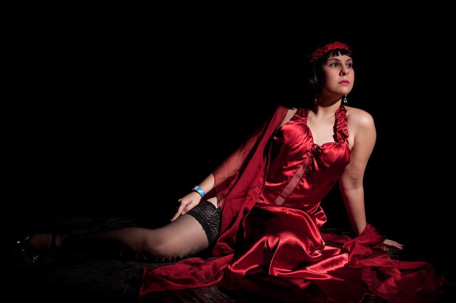 Dama de vermelho by Danichan22