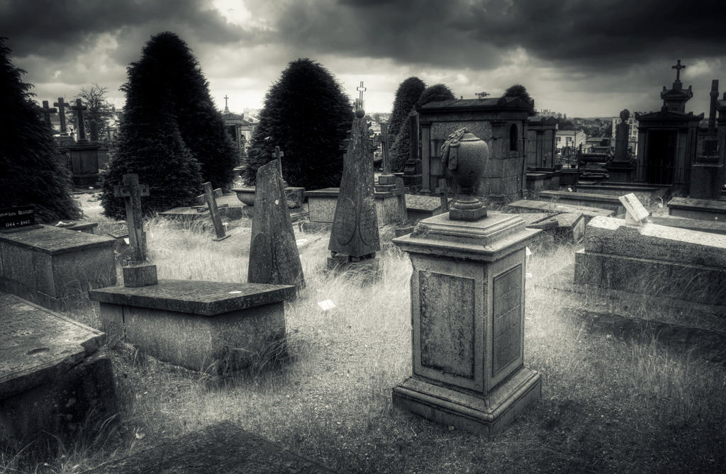 Cemetery by kakobrutus