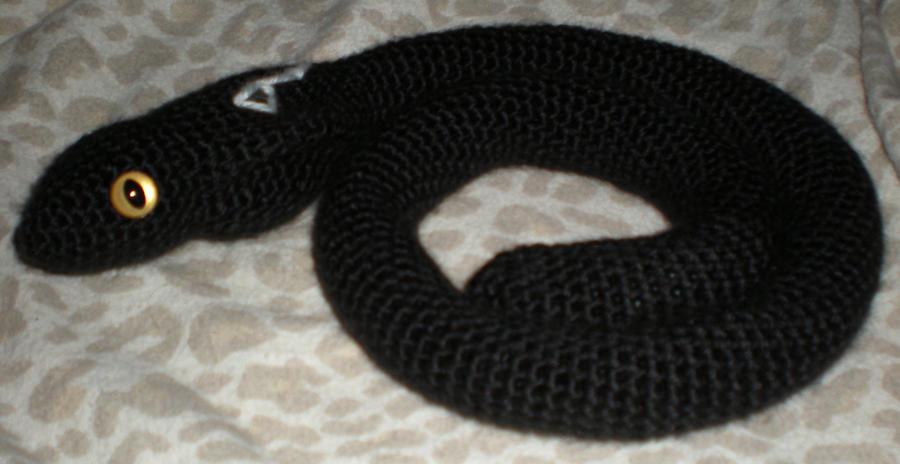 Custom Amigurumi Cobra by JulianaK