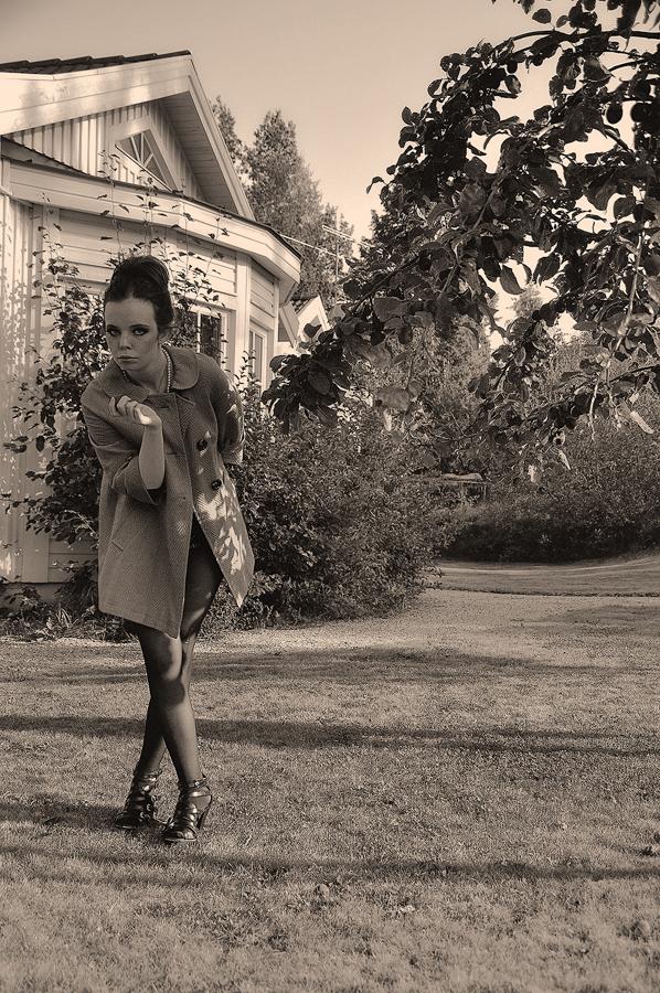 Next to the apple tree by Anselmeth