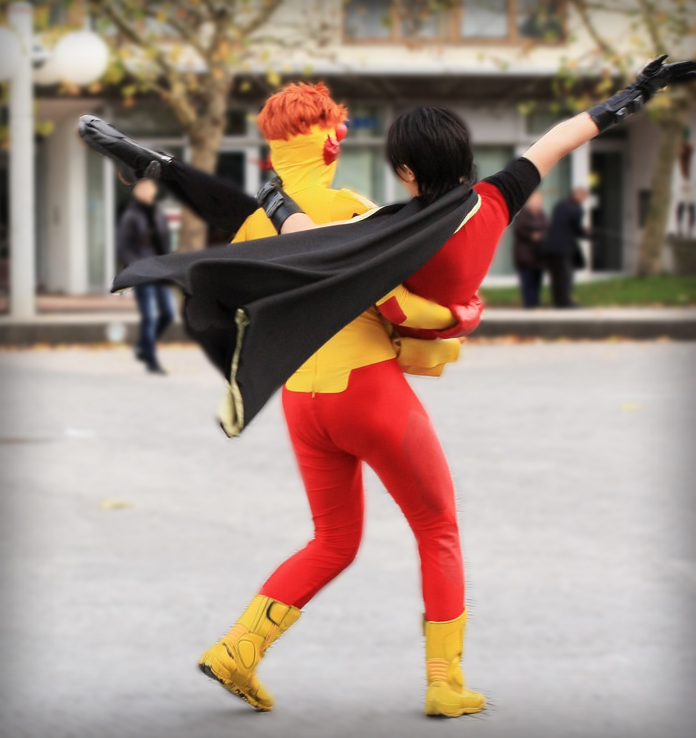 kid flash and Robin dancing by Tenraii