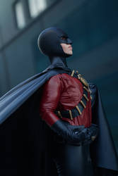 Red robin cosplay (2)