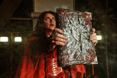 The Blessed Lady of Word Bearers - Cyrene cosplay by alberti